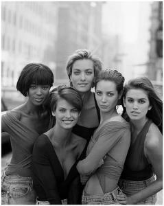 1990年のVogueの表紙から、美しきスーパーモデル達 © Pleasurephoto