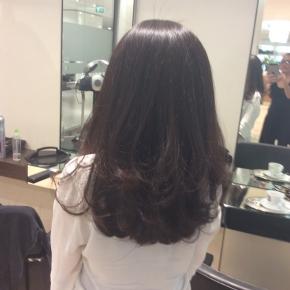 ベルリン出張2015春夏2-6「日本の美容院の洗髪は最高!」(私の後ろ姿)