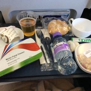 ベルリン出張2015春夏5-6「飛行機内では特別機内食をいただく」(アジアン・ヴェジタリアン 1)