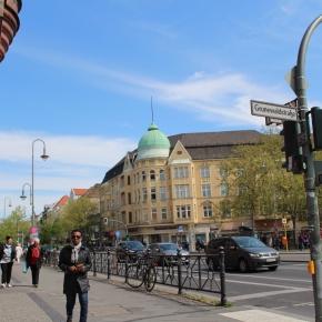 「ベルリン出張2015春夏6-6「ベルリンのバウムクーヘン Konditorei Rabien」」(Rathus Stelitz駅)