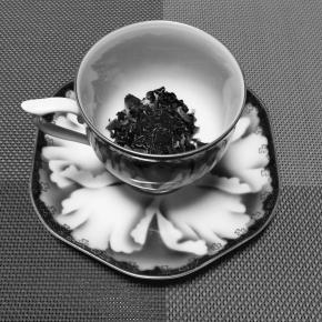 ローズティに緑茶を
